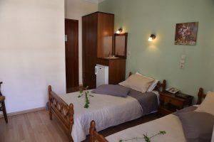 Basic-Room-40Platania-img2-300x200