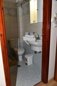 Basic-Room-40Platania-img6-200x300